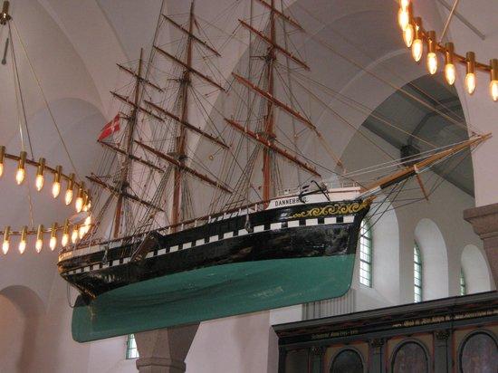 Sct. Nicolai Church: Votivschiff