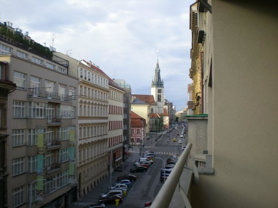 Hotel Majestic Plaza Prague: view from front street balcony