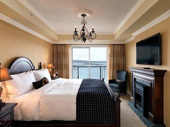 Oak Bay Beach Hotel: Panoramic Ocean View Guest Room