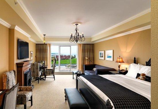 Oak Bay Beach Hotel: Oceanview King Seaside Garden Room