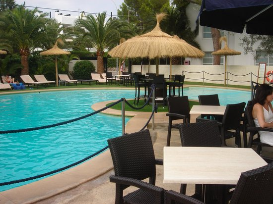 Laguna Restaurant: Pool view