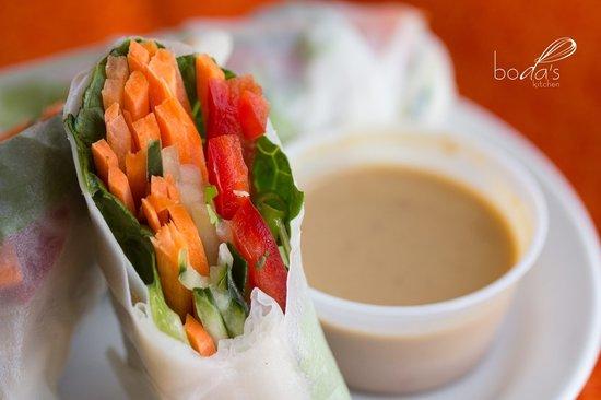 Boda's Kitchen: Asian Salad Rolls