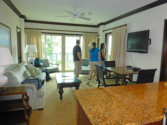 Waipouli Beach Resort: Living room/dining room