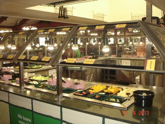 Golden Corral : Buffet Salada e Frutas