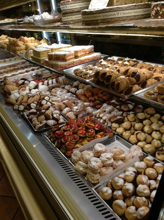 L'Incontro: The pastry case of pastry cases.