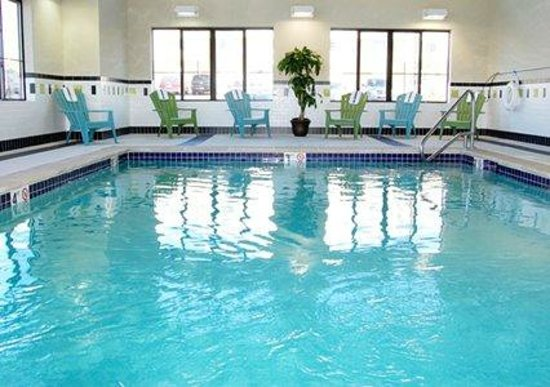 Comfort Inn-Kansas City Airport: Indoor Salt-Water  Pool