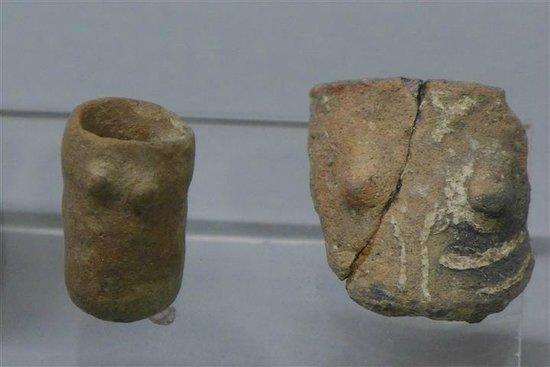 Museu de Évora: pottery torsos
