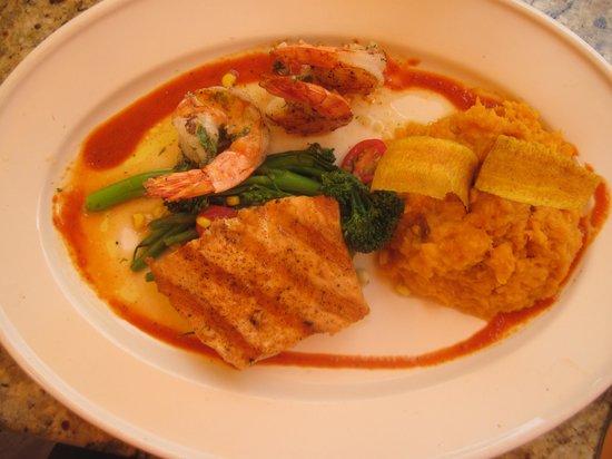 Bahama Breeze: wood grilled salmon & shrimp