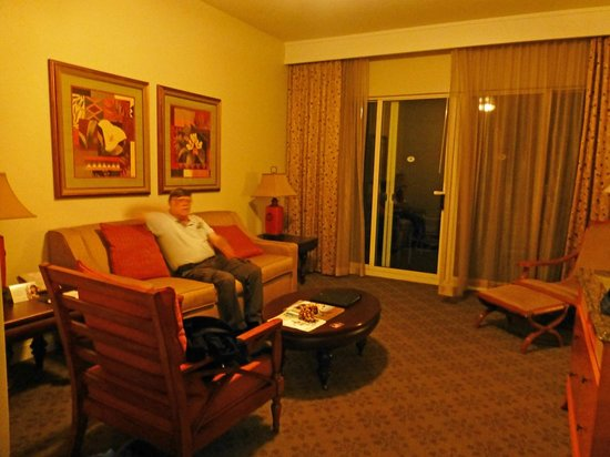 Kohala Suites by Hilton Grand Vacations: Living room of Condo.