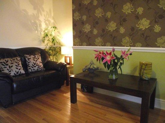 The Warwick: Lounge