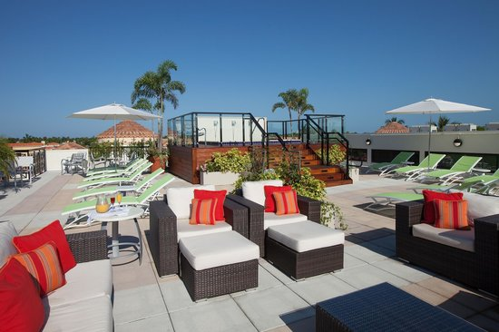 Inn on Fifth: Club Level Rooftop Sundeck