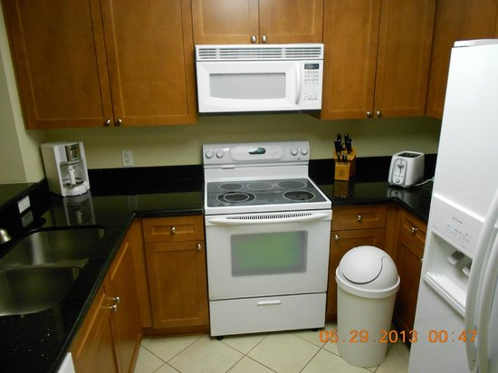 Aqua: Kitchen in unit