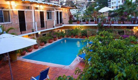 هوتل بوسادا دي روجر: Pool