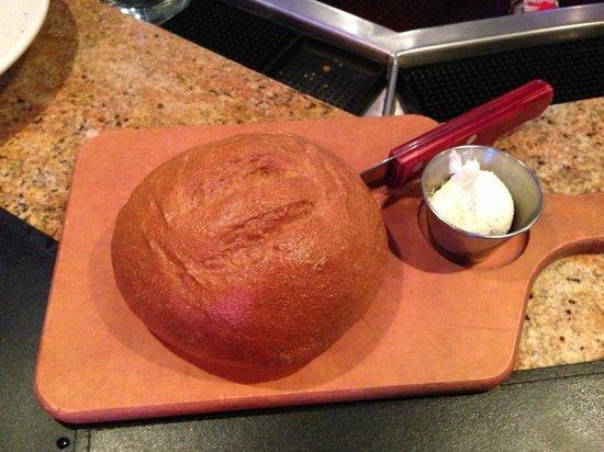 Saltgrass Steak House : Signature bread & butter