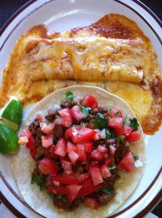 Guadalajara Taco Shop: Yummy!! :)