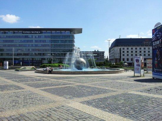 LOFT Hotel Bratislava: Presidents Fountain