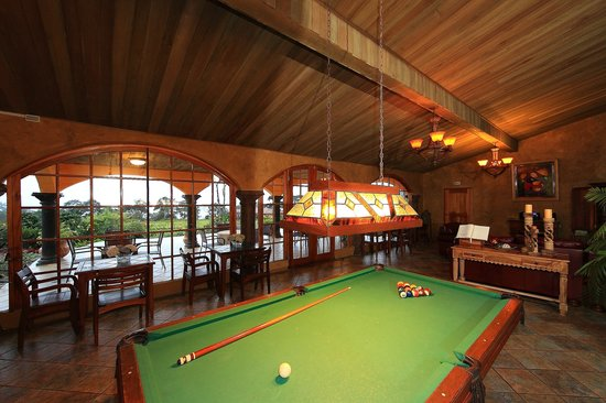 Los Establos Boutique Hotel: Pool Table
