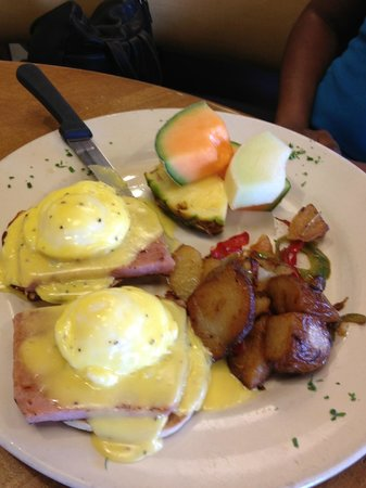 The Breakfast Club: eggs benedict