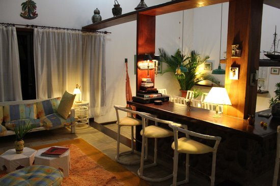 Angra Boutique Hotel: the lounge