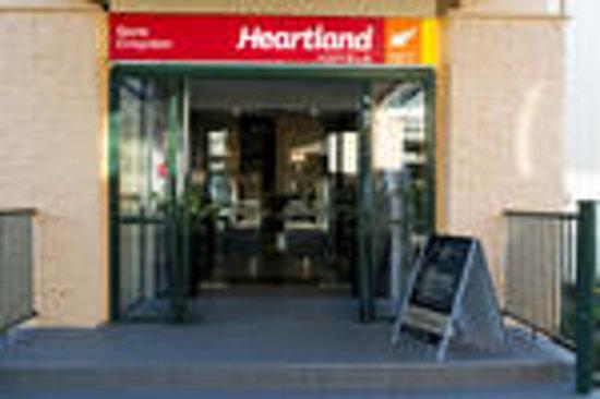 Heartland Hotel Croydon: Entrance