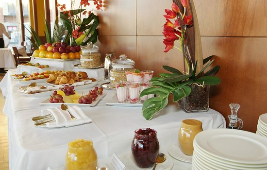 Hotel de l'ITHQ: Typical Hotel Institut Breakfast Buffet Spread