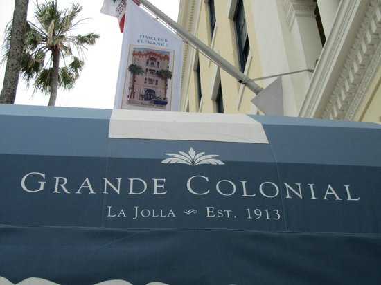 Grande Colonial La Jolla: View from sidewalk