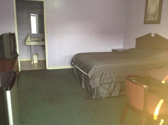 Candlelite Motel Photo