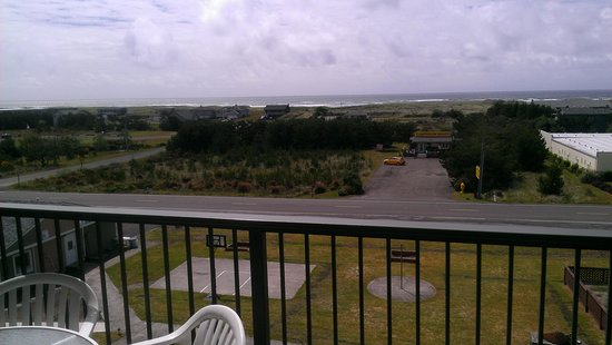The Surfside Inn: balcony, our room.