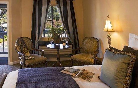 Baechtel Creek Inn: Ridgewood Room