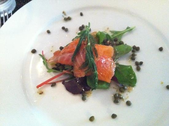 Queens Head Hotel Restaurant: our salmon started