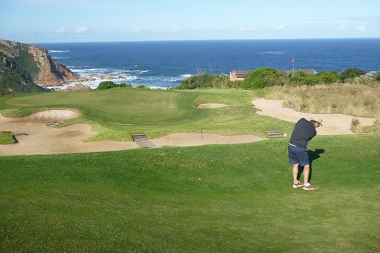 Knysna, Sydafrika: Mickey Mouse par 4 14th