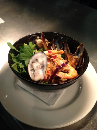 Pier01 Restaurant & Cafe: Seafood Laksa