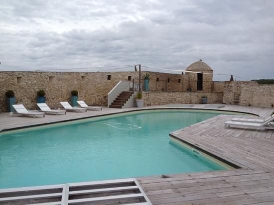 Hotel Genovese: la piscine surplombant le port