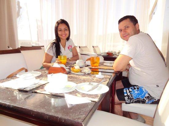 Brava Hotel : Café do hotel