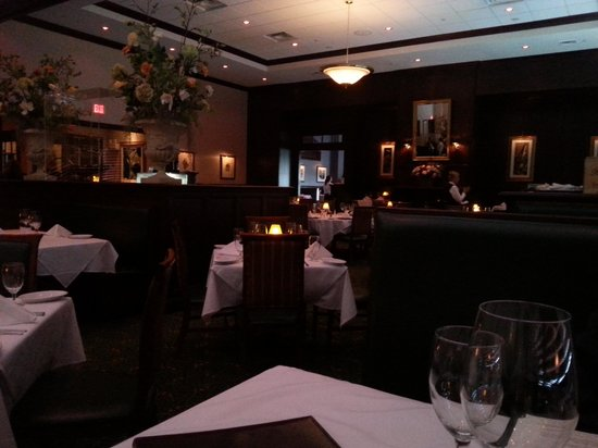 Ruth S Chris Steak House Interior2