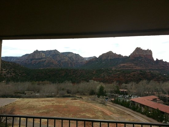 Best Western Plus Arroyo Roble Hotel & Creekside Villas: View from the balcony in my room