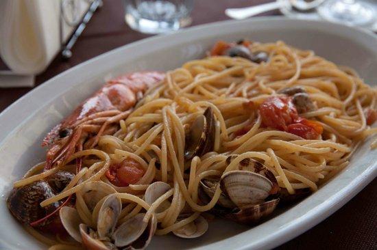 Trattoria Medina: Spaghetti Frutti di Mare