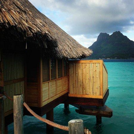 Bora Bora Pearl Beach Resort & Spa: Overwater bungalow with view of Bora Bora's main island