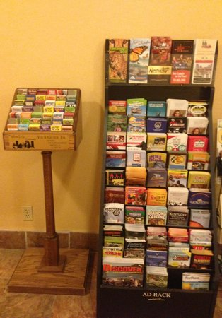Days Inn Florence: Brochure Stand - Great For Travelers