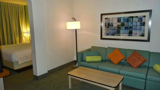 SpringHill Suites Las Cruces : Bedroom / Sitting Area