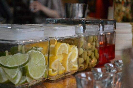 Galway Hooker Bar: Sitting at the upstairs bar