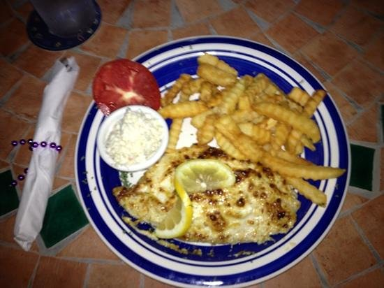 Maria's Backwater Bar & Grill: baked grouper Yummies!