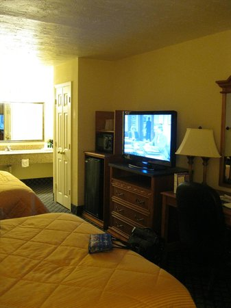 Comfort Inn Near Ellenton Outlet Mall: Room