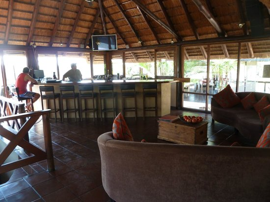 Nkorho Bush Lodge: Bar
