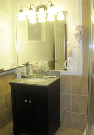 America's Best Value Inn : I liked bathroom fixtures