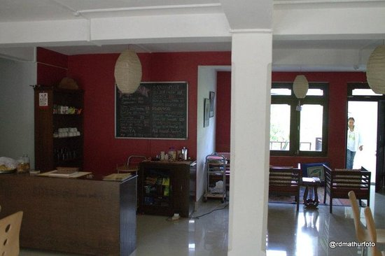 Cafe 42: Main dining area