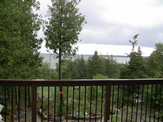 Jubilee Bed & Breakfast: View from the balcony onto St Laurent river