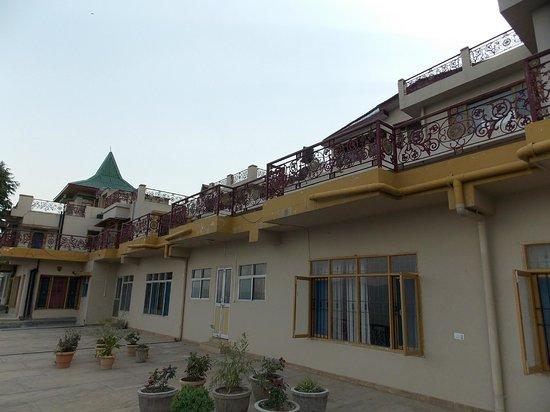آبو آب هوم ستاي: Balcony
