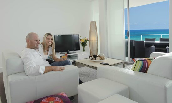 beautiful penthouse for honeymooners picture of kirra. Black Bedroom Furniture Sets. Home Design Ideas