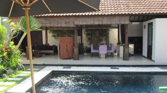 Villa Jodie: Lounge/Dining